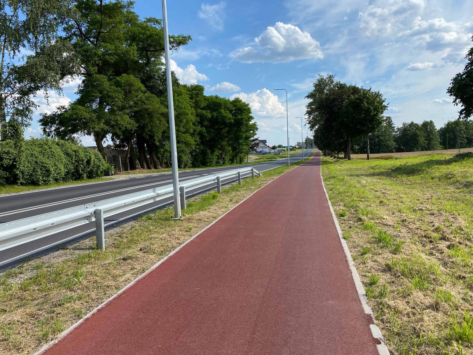 Fietspad rood asfalt Polen Bydgoszcz