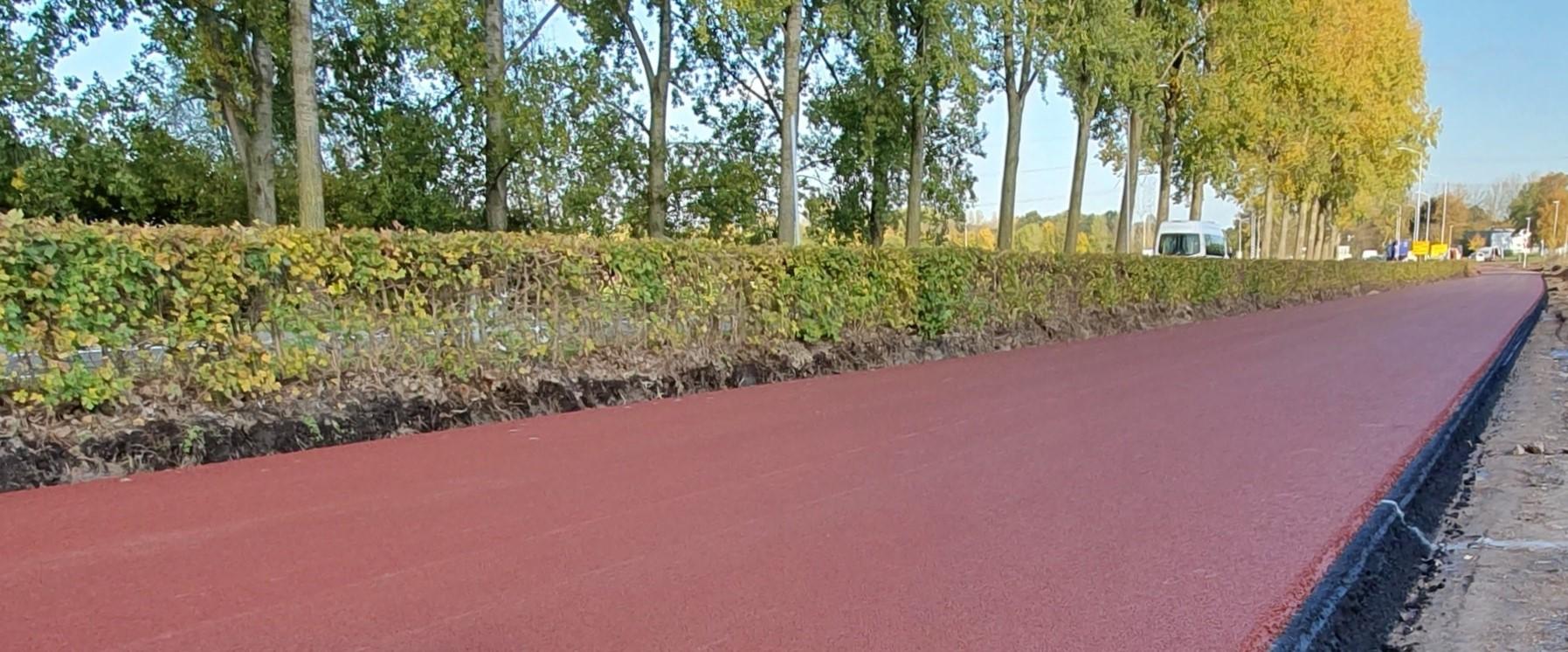 Rood asfalt in Best