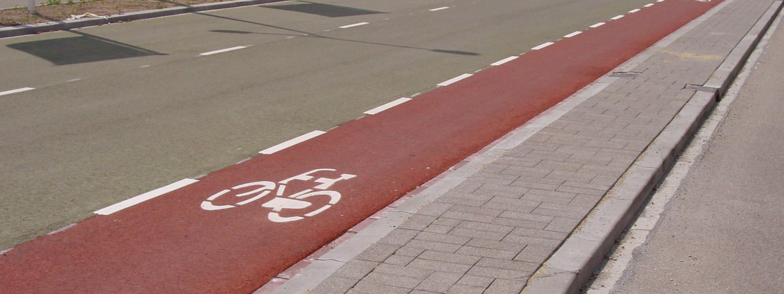 Rood asfalt in het Mediapark