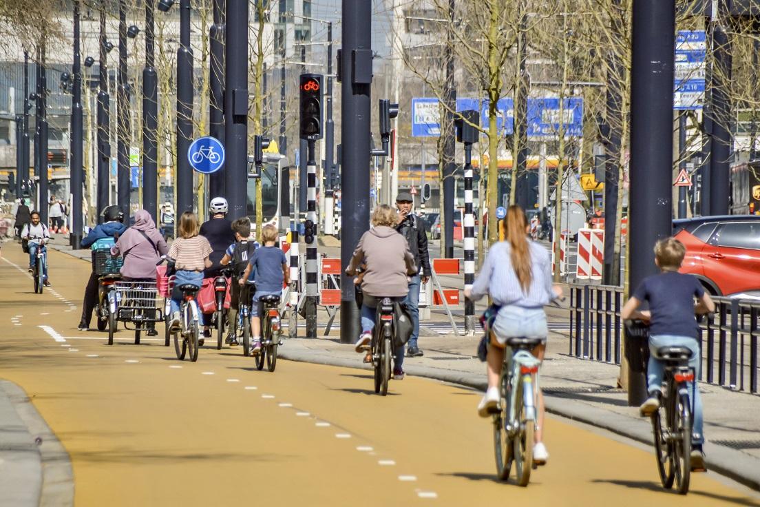 Geel fietspad Rotterdam centrum