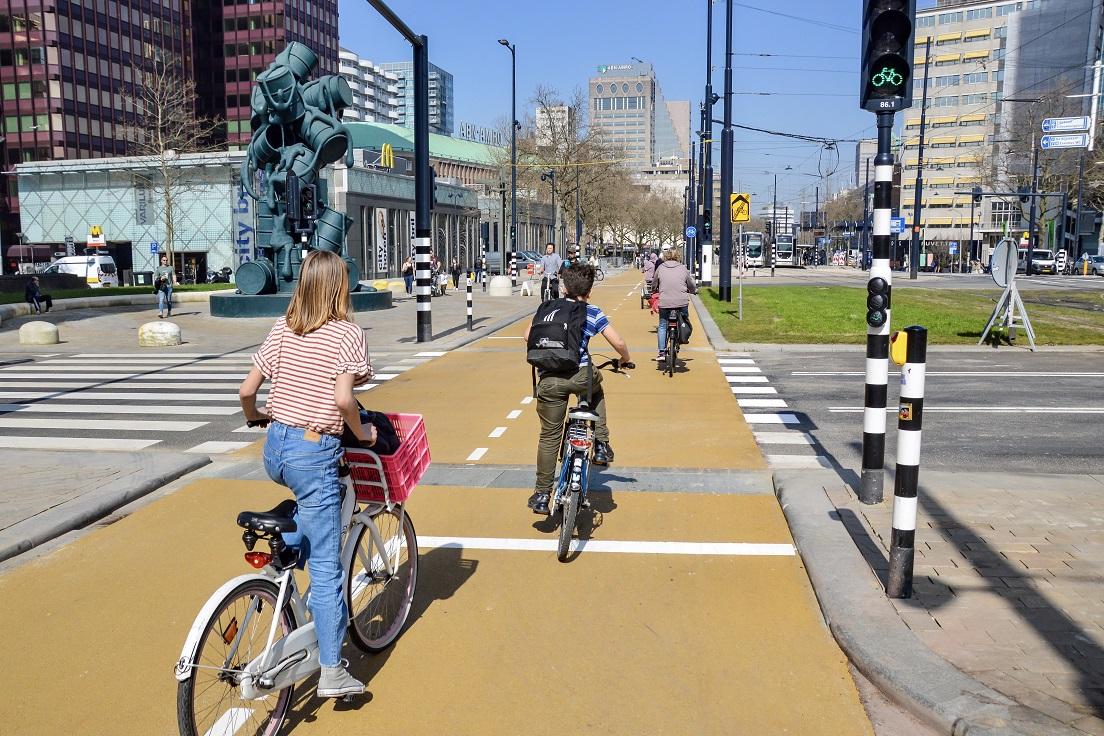 Geel fietspad Coolsingel